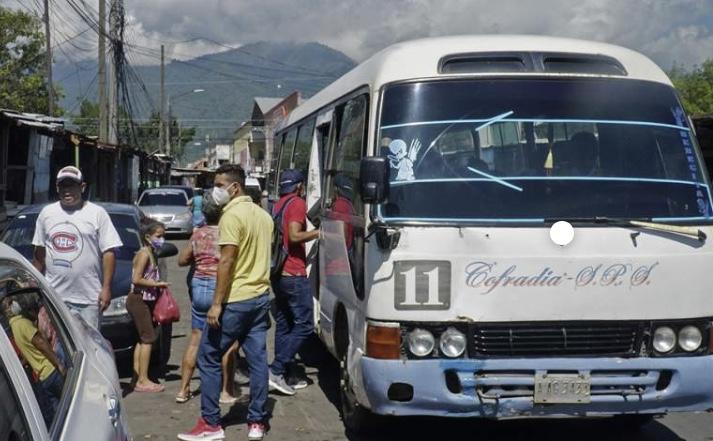 Más de 18 mil unidades del transporte operan en medio de la pandemia