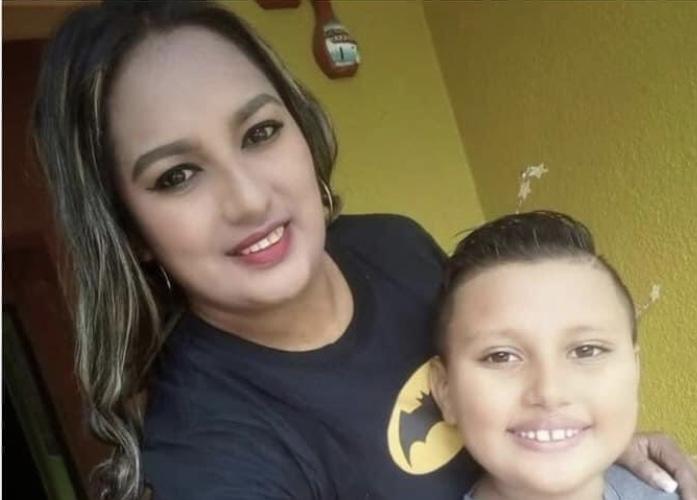 Femina termina ahogada por salvar a su hijo