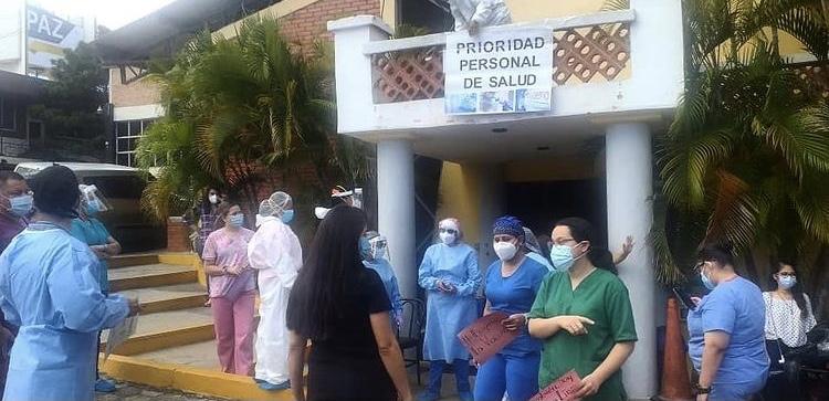 Excluidos de Vacuna Personal de Salud en Triajes