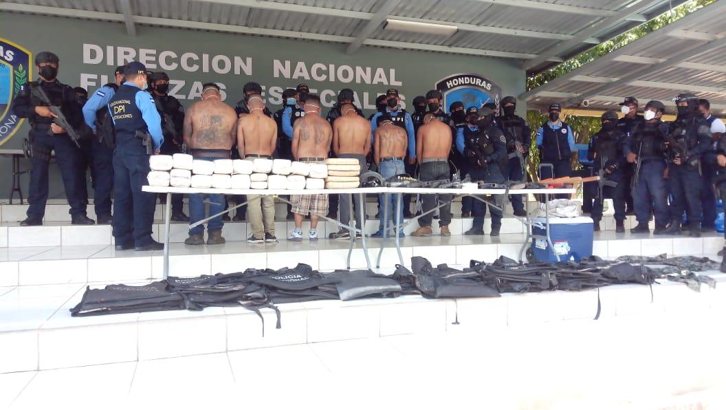 Policía Destruye campamento de «sicarios» en la Aldea La Cieneguita del municipio de Campamento, Olancho