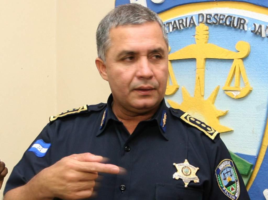 Allanamiento de Morada aseguran bienes del Ex Director de la Policía Nacional