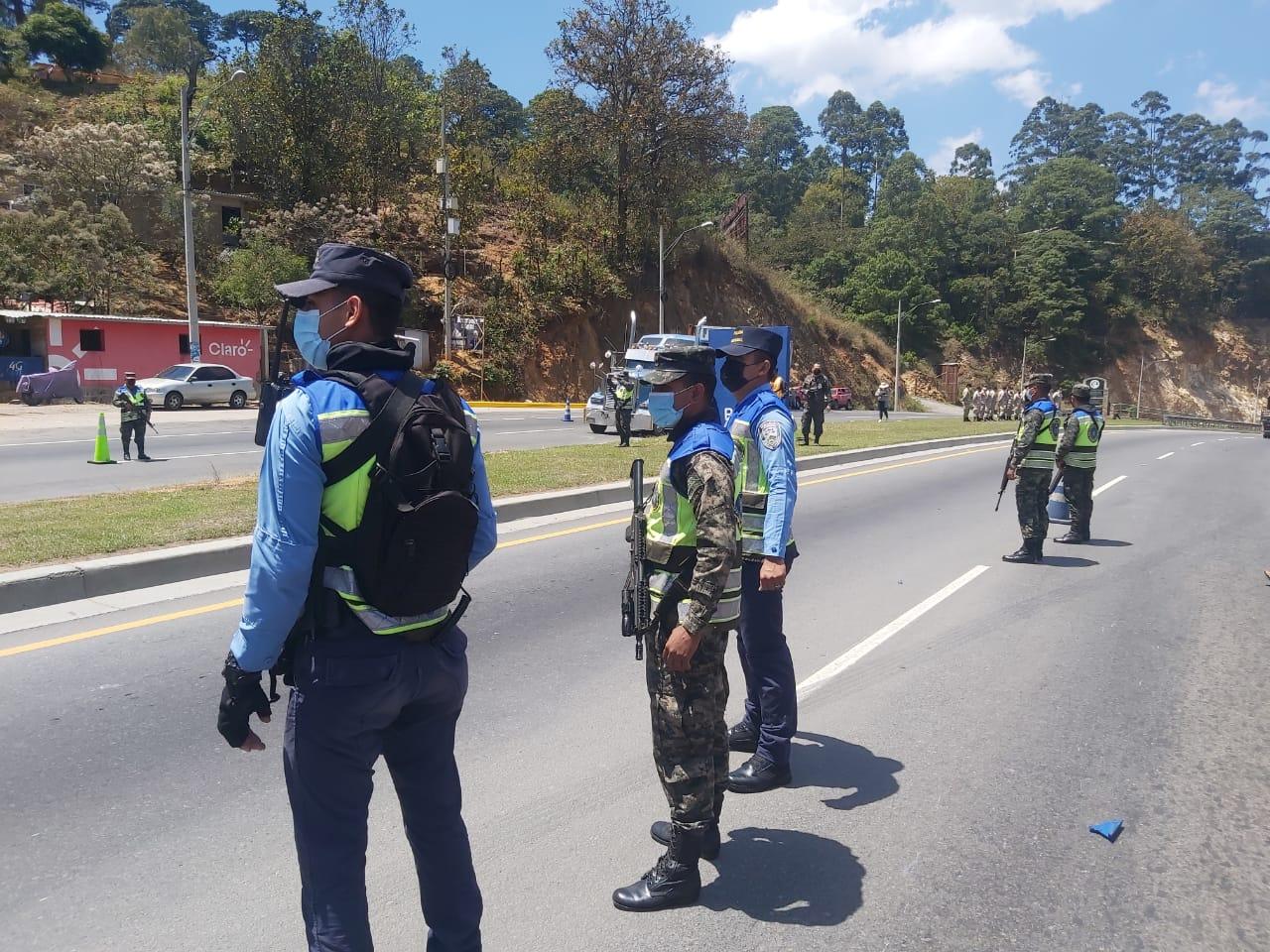 Policías Listos para Semana Santa.