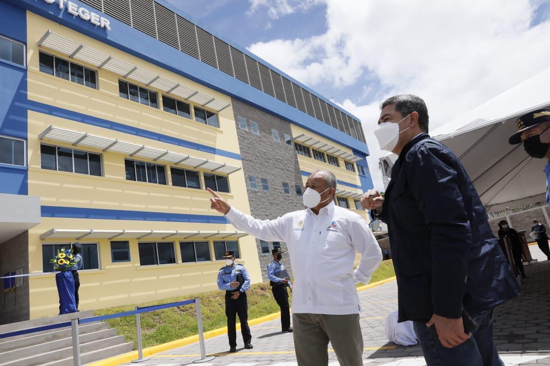 Autoridades de seguridad inauguran moderno edificio para la atención ciudadana