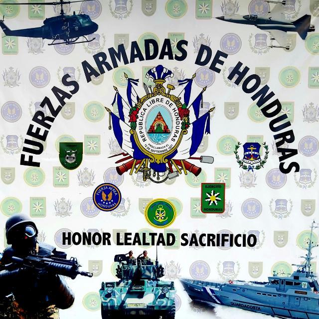 FUERZAS ARMADAS DECOMISA 93 PAQUETES DE COCAÍNA EN ISLAS DE LA BAHÍA.